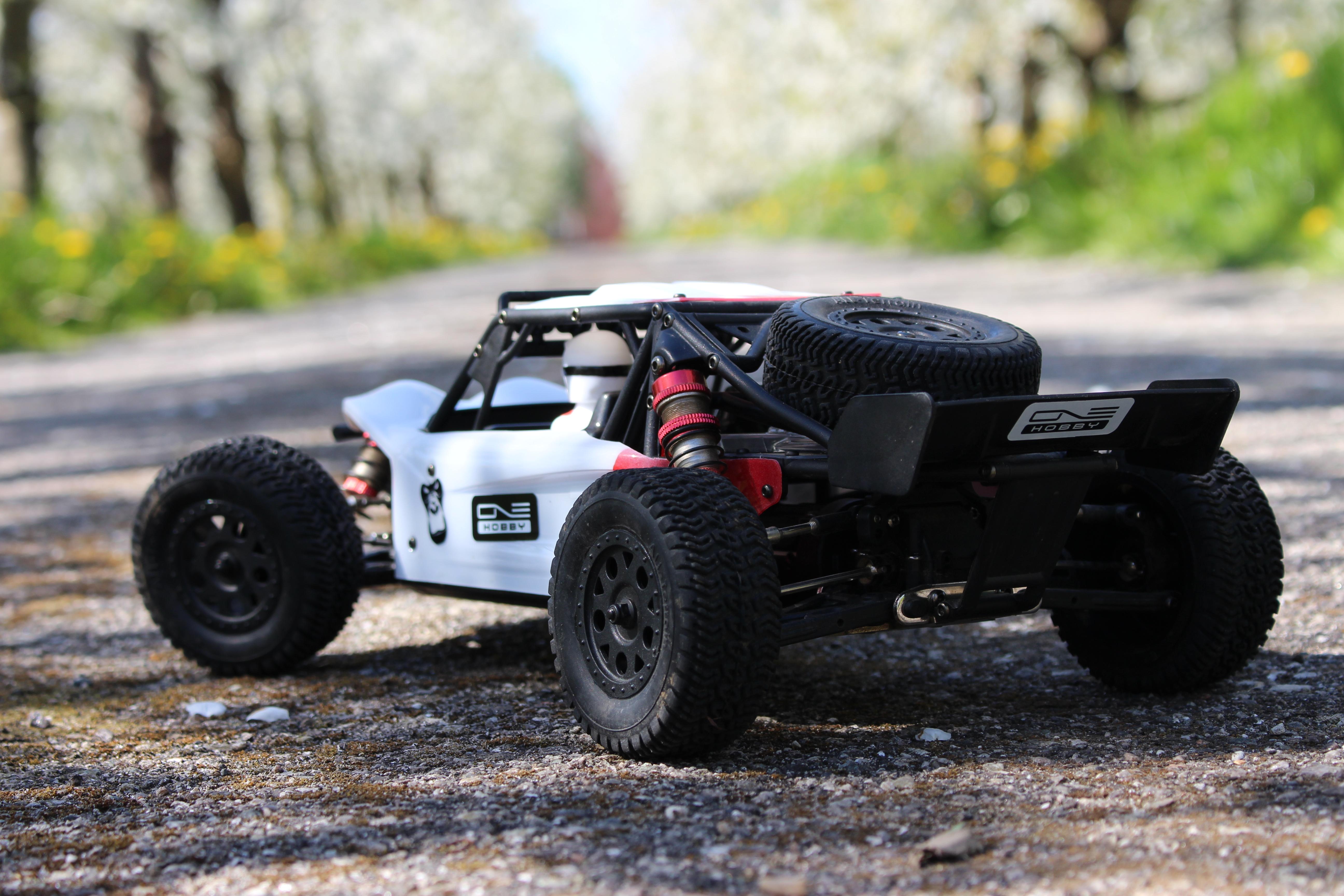 LC-Racing-Desert-Truck