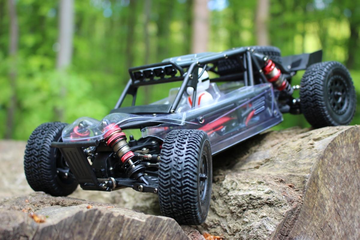 LC-Racing-Desert-Truck-1-2